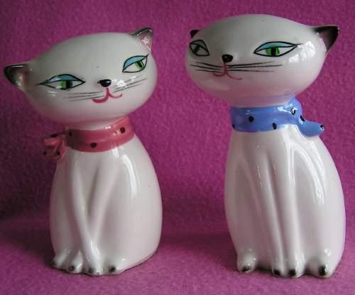 Ho1t Howard kitties